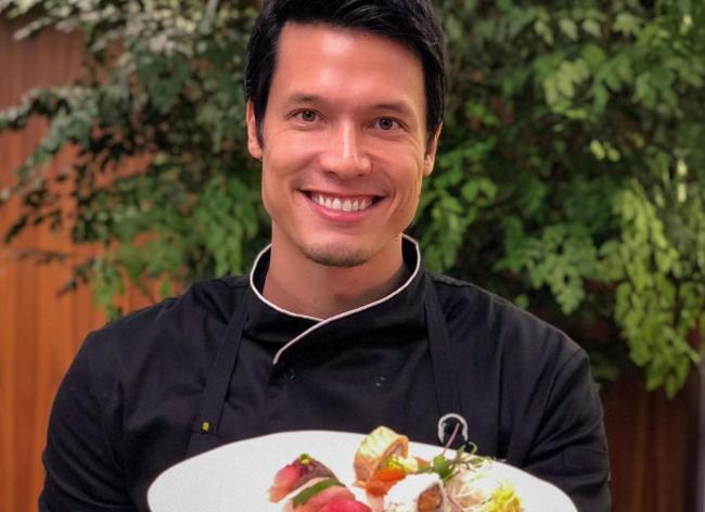 Campeão do MasterChef 3, Leo Young é dono de restaurante japonês badalado e bomba nas redes sociais