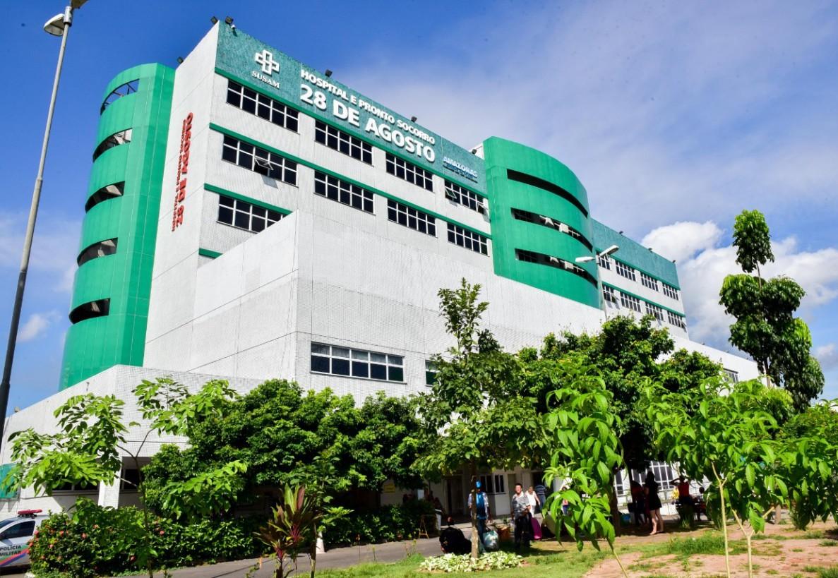 Hospital com UTIs lotadas alaga em Manaus