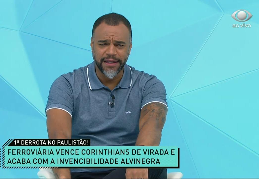 Denílson vê dois erros de arbitragem a favor do Corinthians e pede calma com Luan