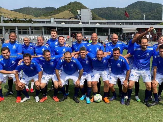 Governador do Rio esteve em jogo de futebol entre políticos no CT do Flamengo