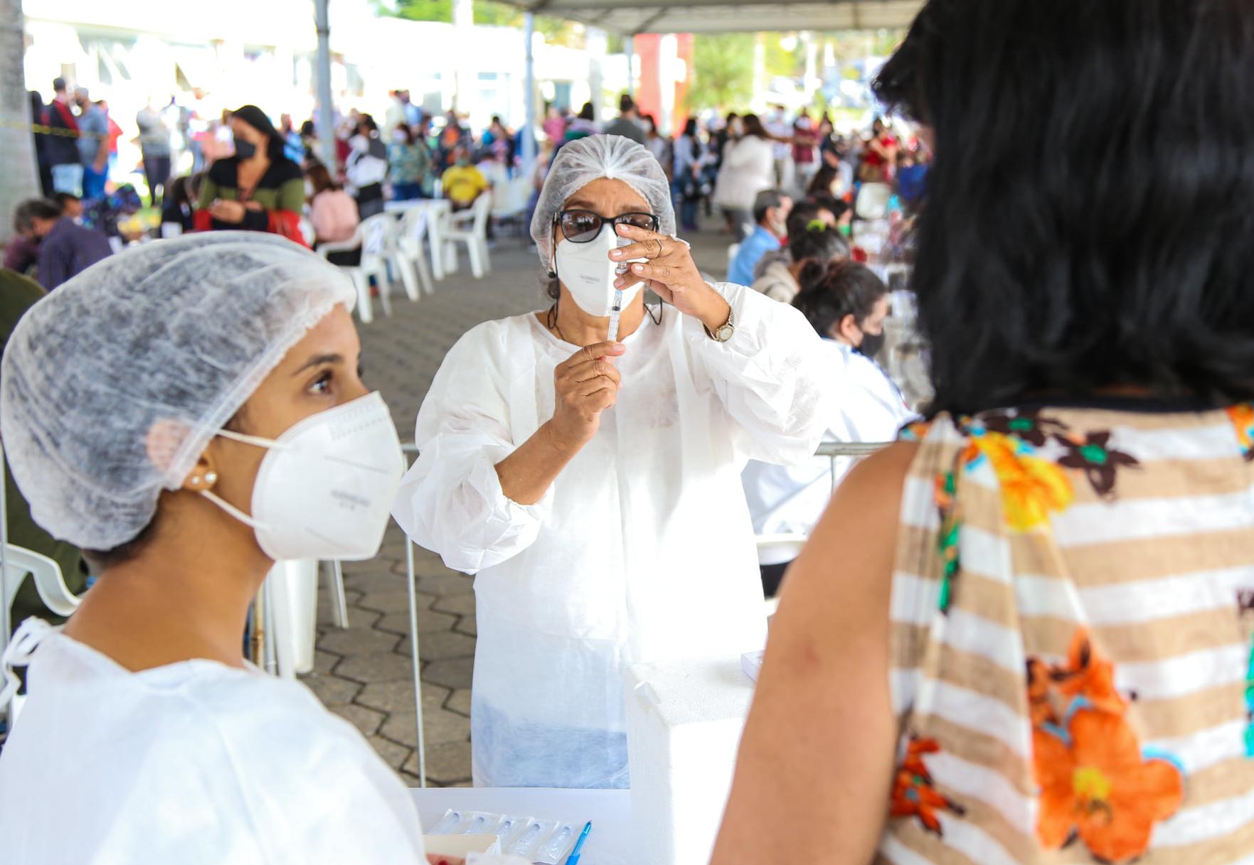 SP: projeto avalia mandar para o fim da fila quem escolhe vacina