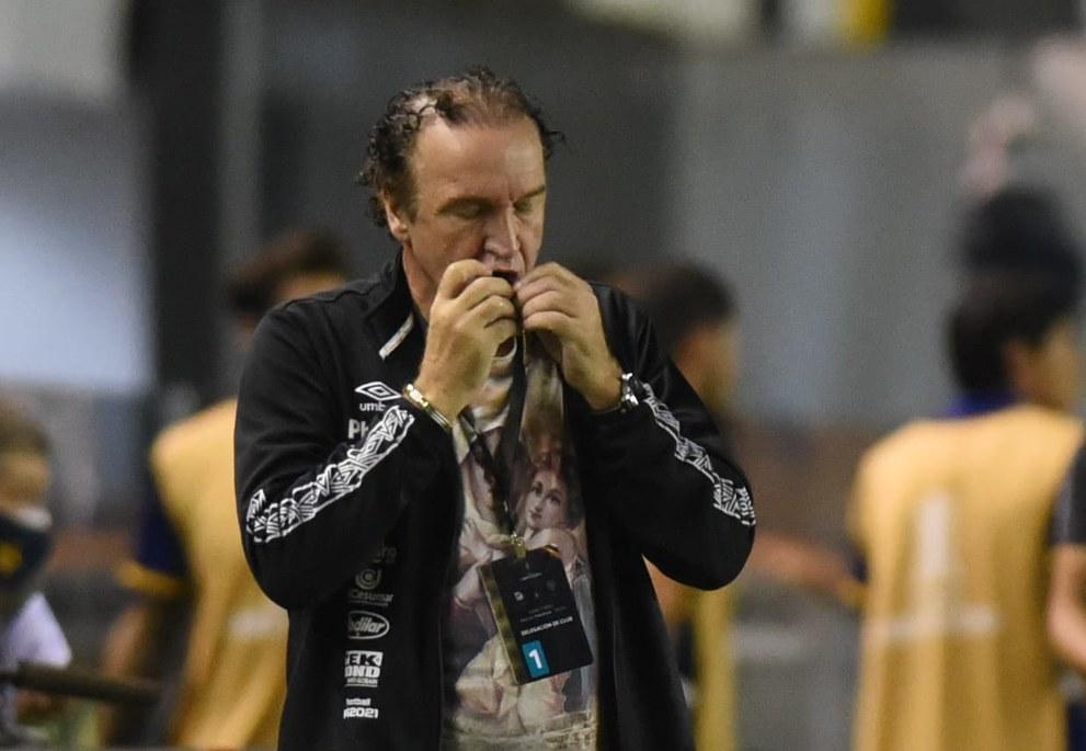Para Cuca, Santos na final da Libertadores contraria a lógica do futebol