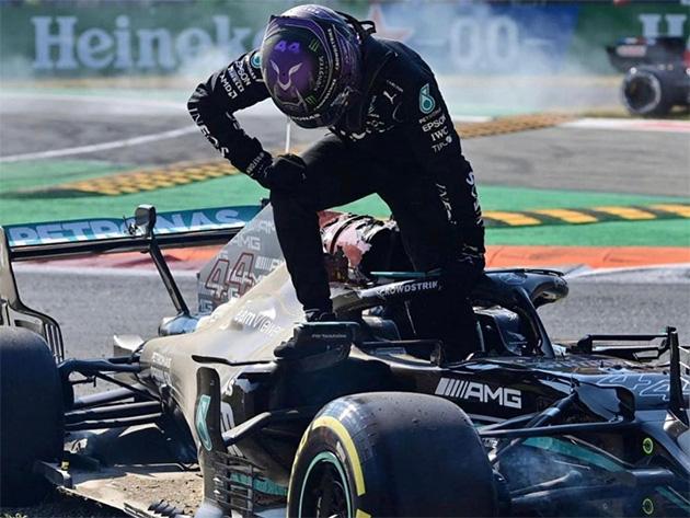 F1: Hamilton elogia punição de Verstappen e diz que foi salvo pelo halo em acidente