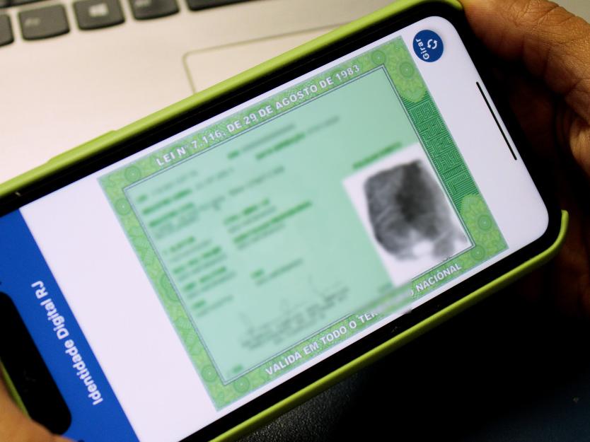 Carteira de identidade agora pode ser acessada pelo celular