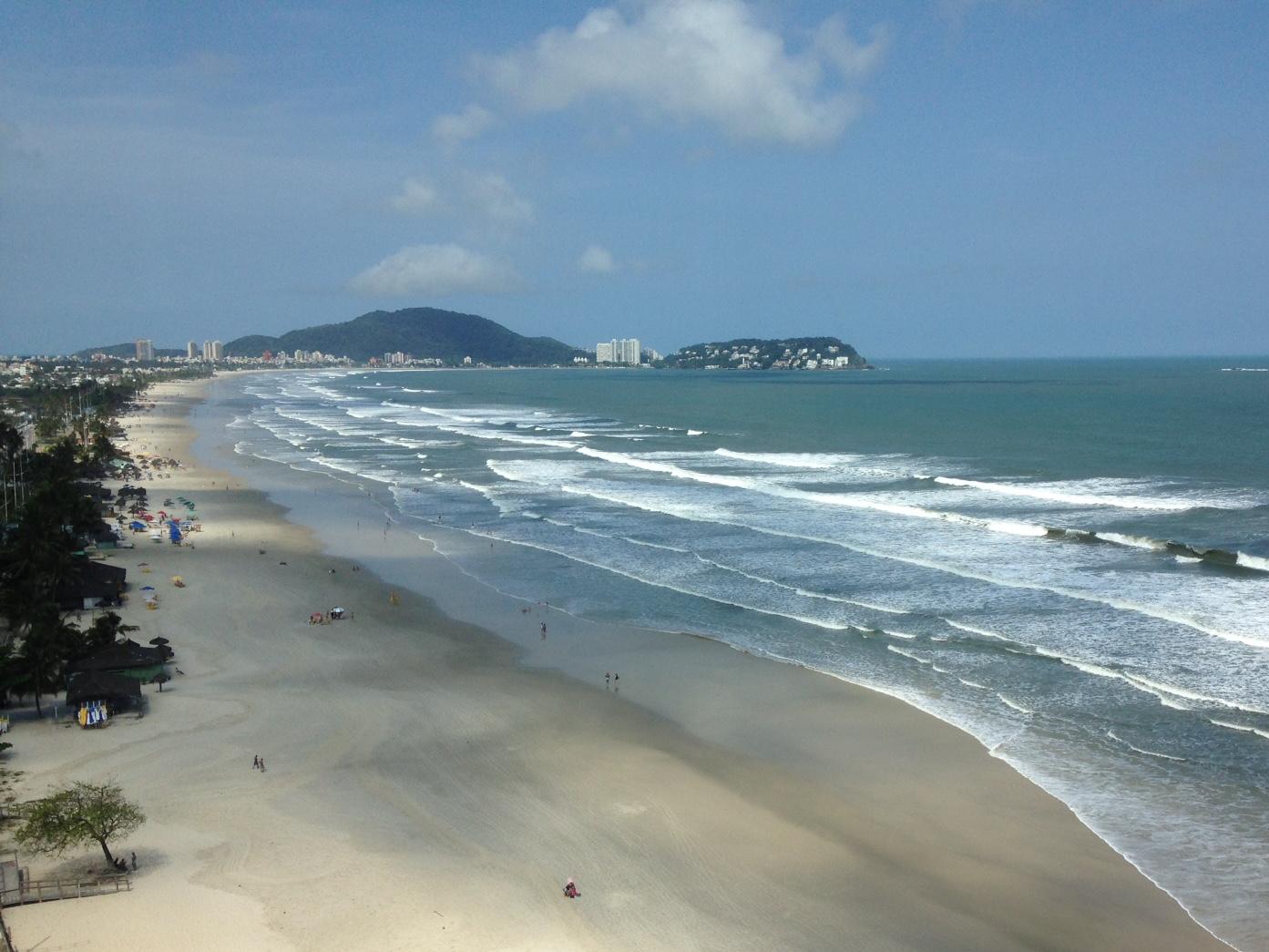 Mesmo em fase vermelha, cidades do litoral de São Paulo vão manter praias abertas