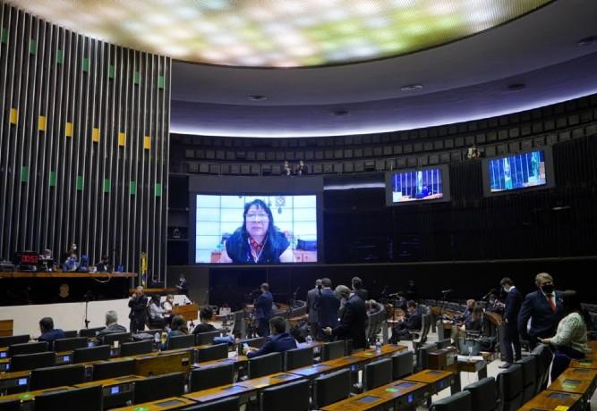 Câmara aprova projeto para compra de vacinas por Estados e municípios