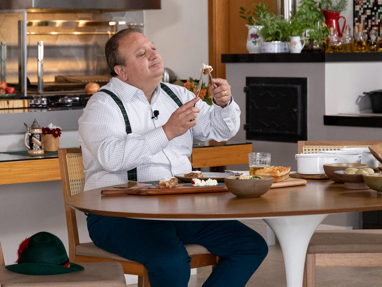 """Jacquin elege receita alemã de SC como a melhor em degustação: """"Impecável"""""""