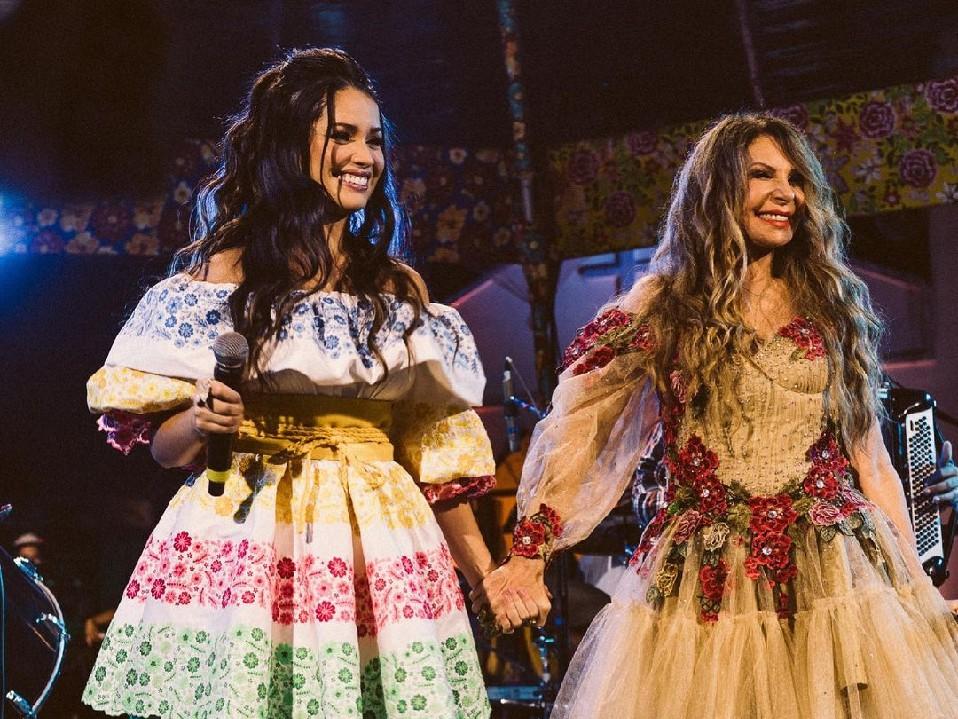 Juliette participa de live de Elba Ramalho e ganha elogios