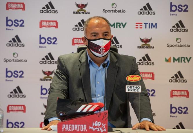 Vice do Flamengo garante Ceni no cargo e nega procura do São Paulo por Michael