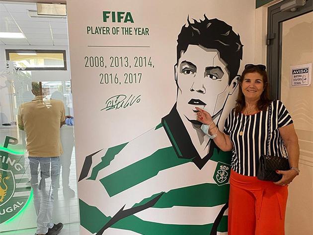 """Mãe de Cristiano Ronaldo revela pedido ao filho: """"Antes de morrer quero te ver no Sporting"""""""
