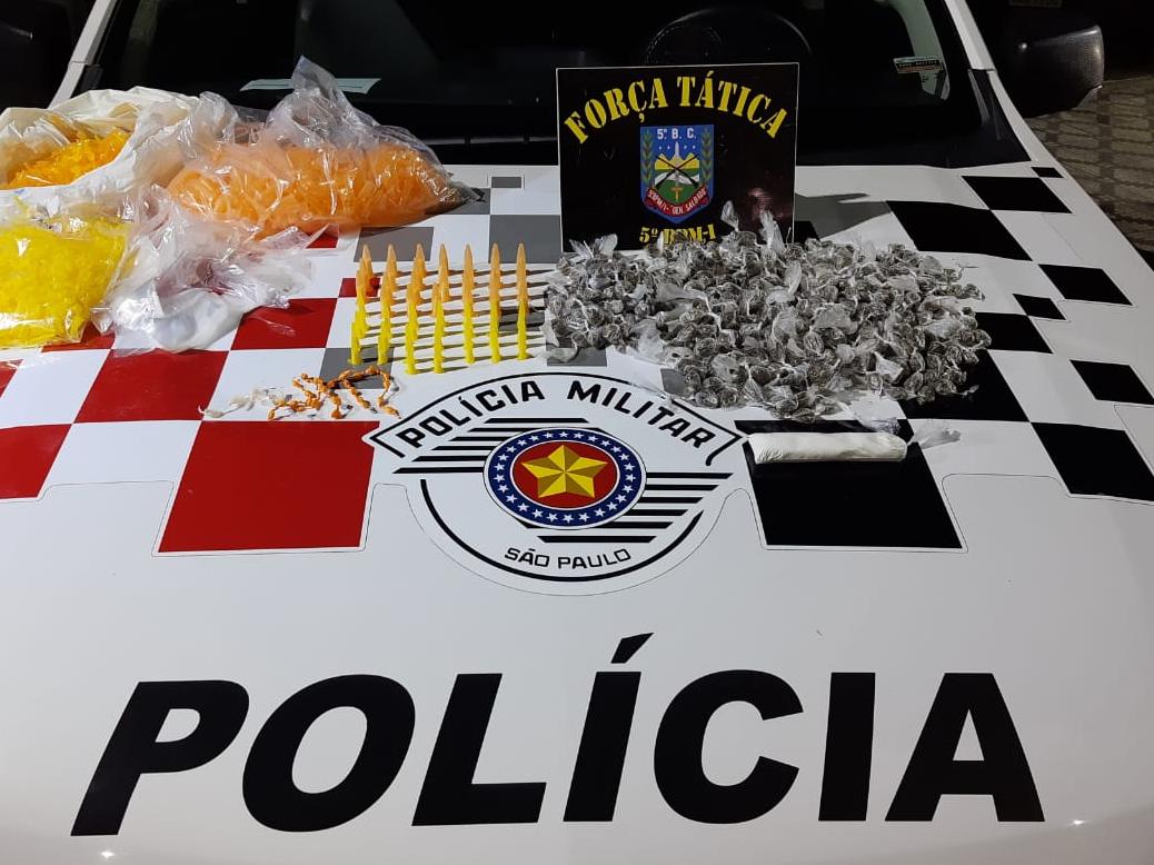 Polícia Militar prende jovem suspeito de tráfico de drogas em Taubaté