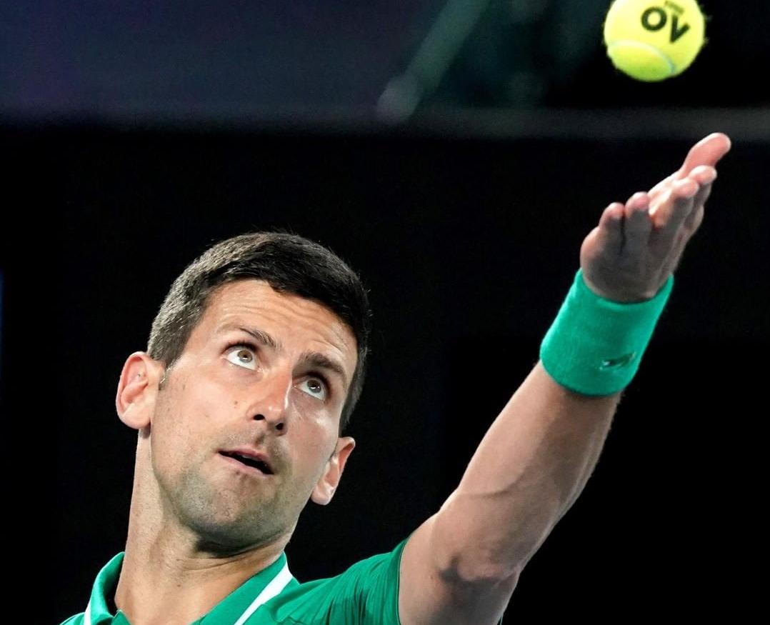 """Djokovic vence e enfrentará """"zebra"""" na semi; veja como foi a rodada do Australian Open"""