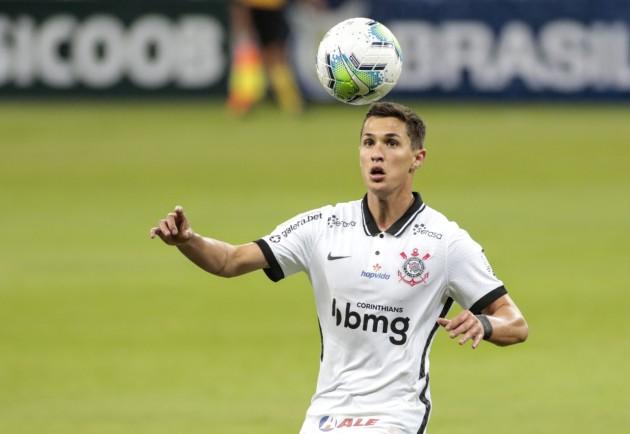 Mateus Vital passará por cirurgia no joelho e fica fora do Corinthians por até 6 semanas