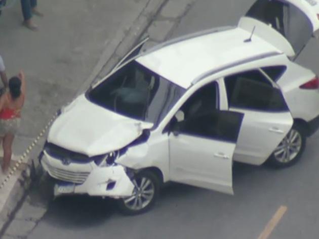 Ladrões em fuga atropelam 10 pessoas em Carapicuíba