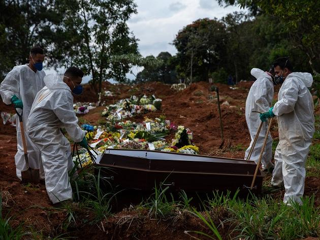 São Paulo registra mais de 100 mil mortos por Covid-19