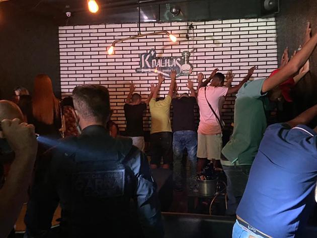 Festa clandestina com 45 pessoas é fechada no Tatuapé, na zona leste de São Paulo