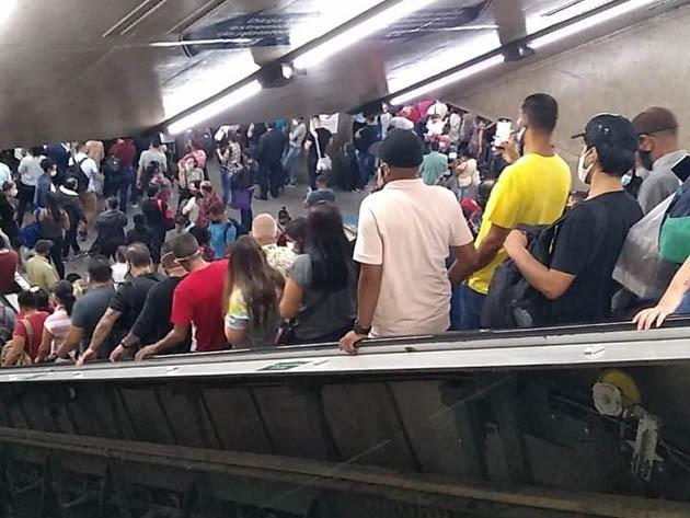 SP: paralisação no Metrô por causa de ocorrência policial causa aglomeração nas estações