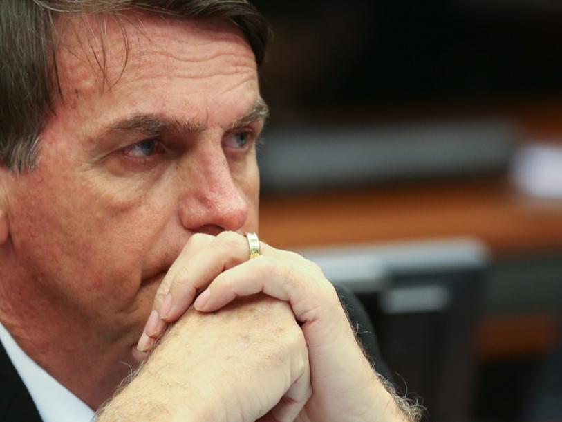 Bolsonaro anuncia novo Bolsa Família de R$ 300 para o ano que vem
