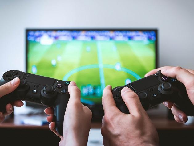 Mulheres sofrem com assédio e ameaças nos games