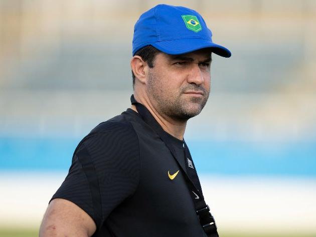 """Técnico da Seleção sobre polêmica da CBF com uniformes na Olimpíada: """"Decisão institucional"""""""