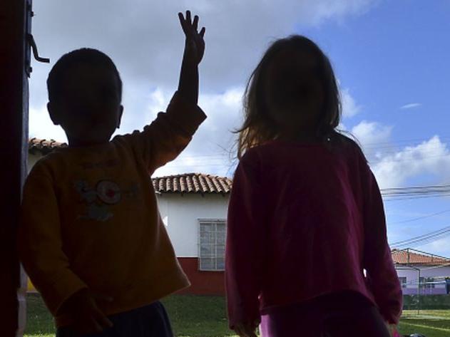 Uma criança sofre algum tipo de violência a cada 12 horas no Brasil
