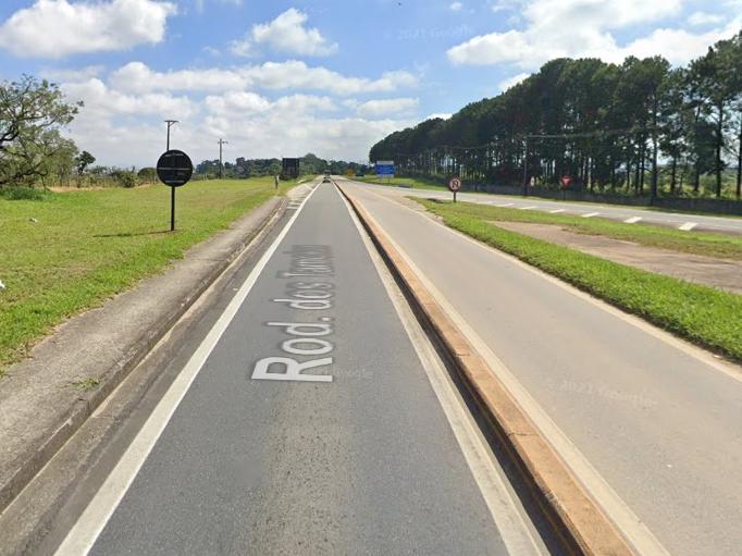 Motociclista morre após colidir contra ônibus na rodovia dos Tamoios