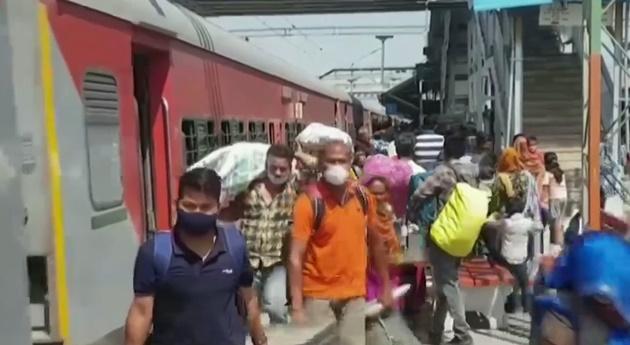 Com pandemia fora de controle, Índia tem nova variante do coronavírus