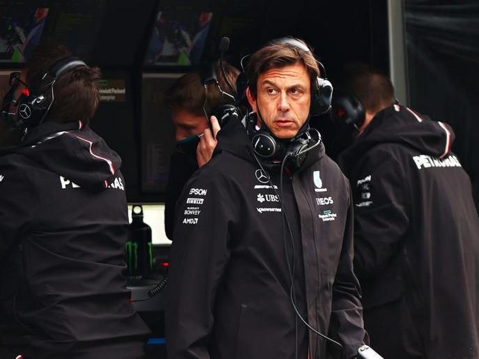 Trocar motor de Hamilton na Turquia é a melhor decisão da Mercedes? Assista