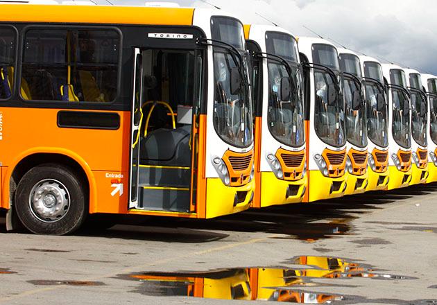 Três cidades do Vale do Paraíba começam a terça (13) sem circulação de ônibus