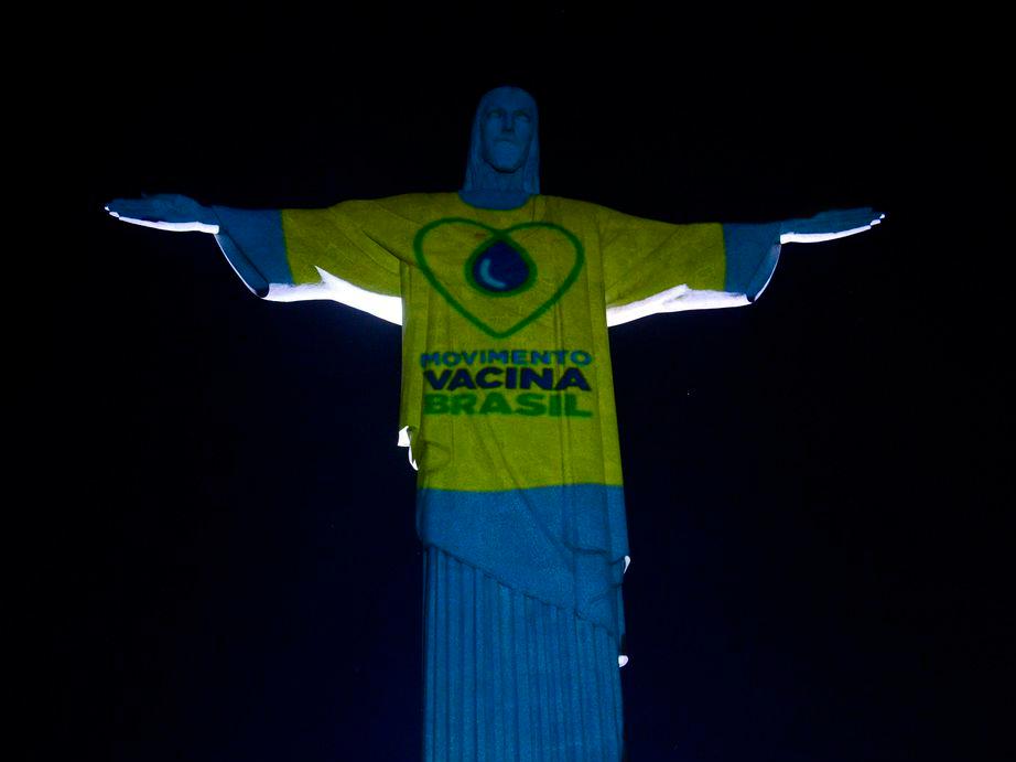 Rio de Janeiro quer vacinar primeiro carioca contra Covid-19 no Cristo Redentor