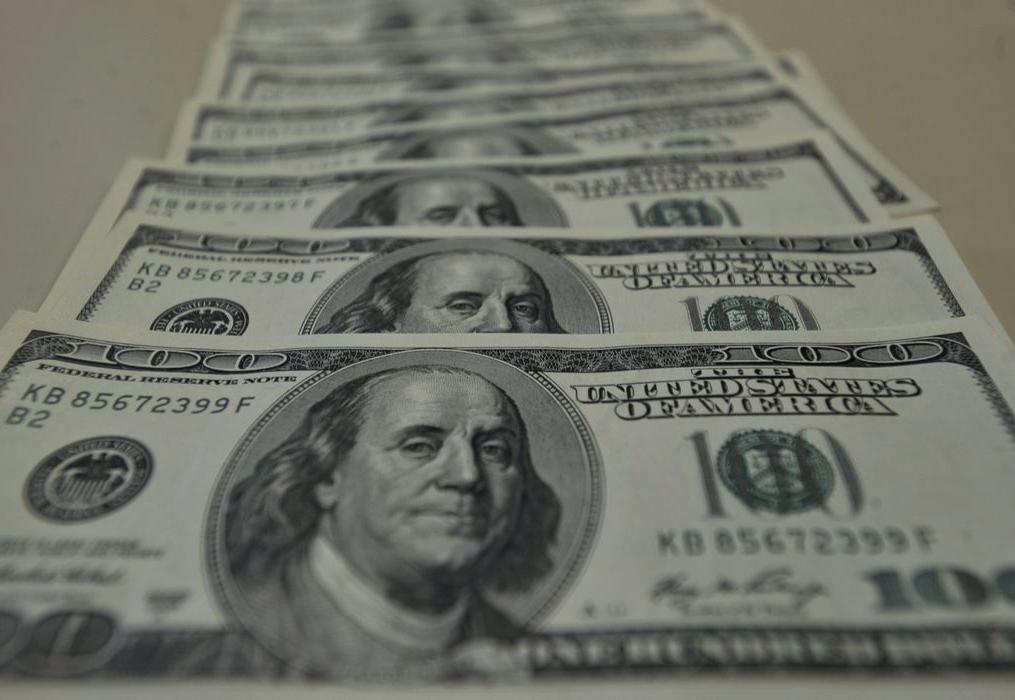 Almoço Grátis, Ricardo Gallo: Temos que entender as razões da queda rápida do dólar
