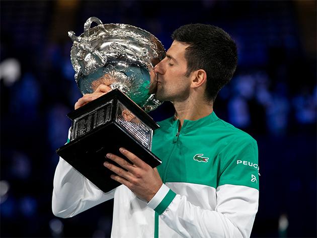 Djokovic conquista 9º troféu do Australian Open e chega ao 18º título de Grand Slam