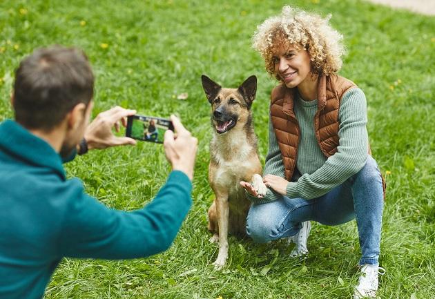 Por que os olhos dos cachorros podem mudar de cor em fotos com flashes?