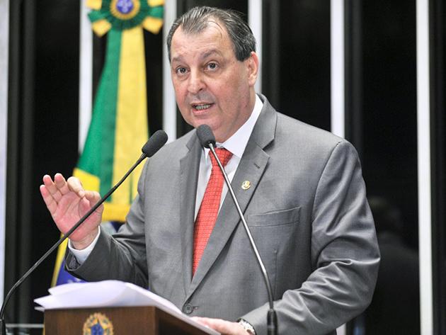 Omar Aziz é eleito presidente da CPI da Covid e indica Renan Calheiros para a relatoria