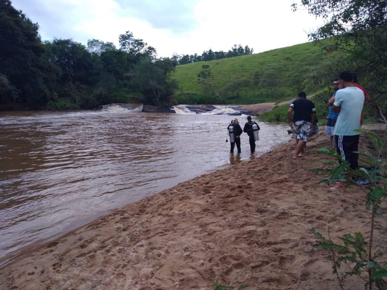 Cachoeira no bairro do Ribeirão, onde criança de 12 anos desapareceu em Cunha