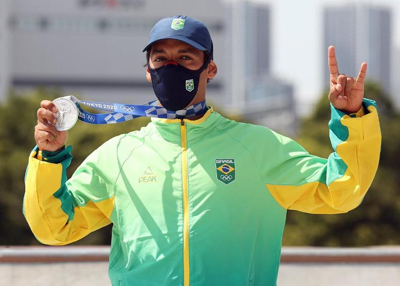 Kelvin Hoefler é prata e garante 1ª medalha do Brasil em Tóquio