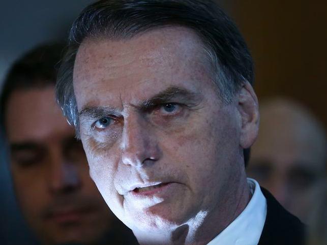 Jair Bolsonaro atacou decisão de Alexandre de Moraes de incluí-lo no inquérito das fake news