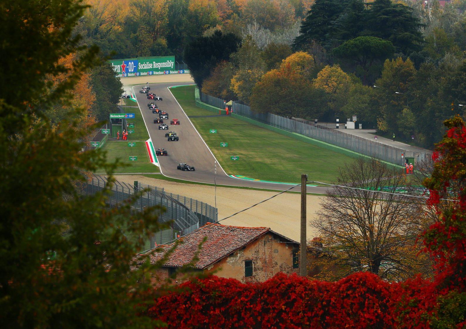 F1: como assistir aos treinos e ao Grande Prêmio de Emilia Romagna na Band Vale