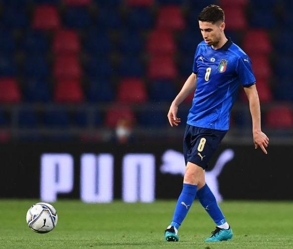 """""""Vai esperar até quando o Tite?"""", mãe defende brasileiro que jogará Eurocopa pela Itália"""
