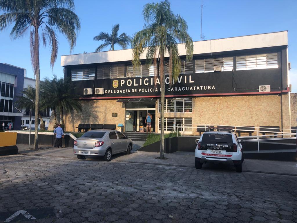 Homem de 50 anos mata esposa na frente dos filhos em Caraguatatuba