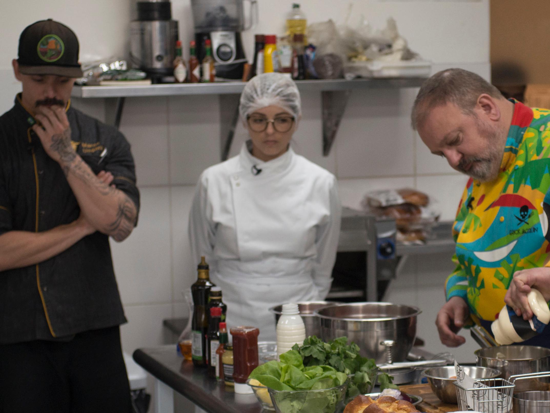 Jacquin quebra pratos em Pesadelo na Cozinha, briga com funcionários e agita a web; veja