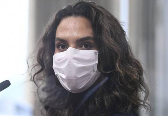 """A infectologista Luana Araújo afirma que a nota informativa traz """"inverdades"""" e """"absurdos"""""""