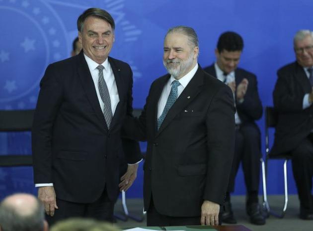 Sabatina de Aras acontece nesta terça; Alexandre de Moraes arquiva pedido de investigação contra o PGR