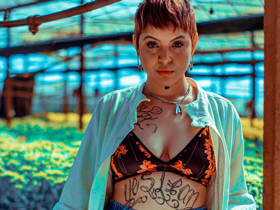 """""""Artista não pode ser alheio ao seu tempo"""", diz Kell Smith sobre EP que fala de saúde mental"""