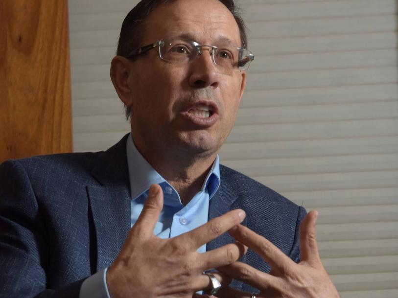CPI aprova quebra de sigilo de Wizard e ex-governador do Rio depõe em meio a discussões