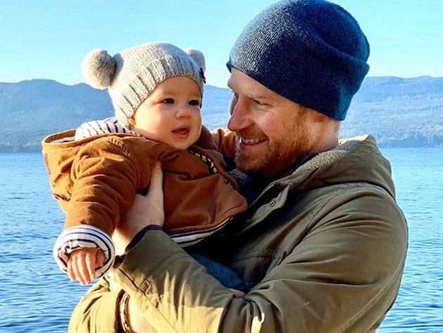 Archie, filho do príncipe Harry e Meghan Markle, participa de podcast dos pais; ouça