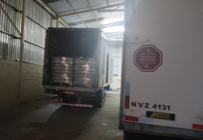 Polícia Civil estoura galpão em Jambeiro usado por quadrilha especializada em roubo de cargas