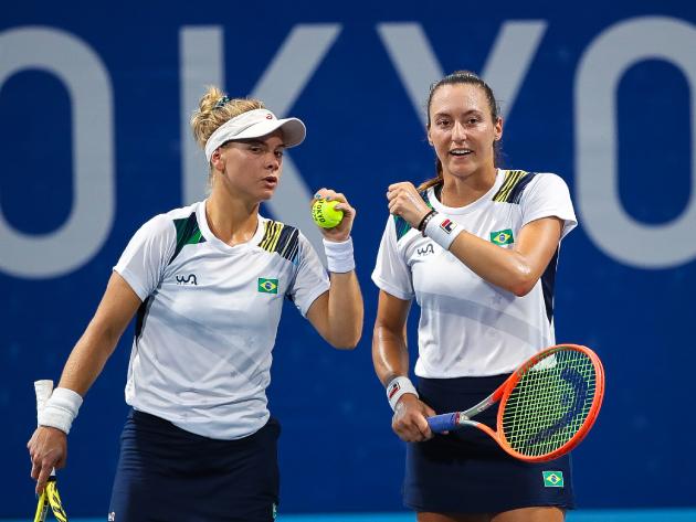 Luisa Stefani e Laura Pigossi derrubam americanas e vão às semifinais em Tóquio