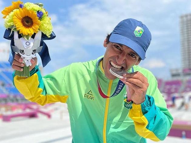 """Medalhista, Kelvin Hoefler lamenta o País não ter boas pistas de skate: """"Quem ficou no Brasil não se adaptou"""""""