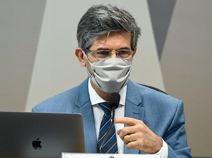 Teich diz que falta de autonomia e pressão por cloroquina motivaram sua saída